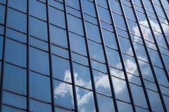 Espejo de los edificios Fotos de archivo libres de regalías