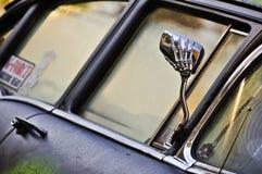 Espejo de mano esquelético Imágenes de archivo libres de regalías