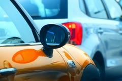 Espejo de una fotografía de la acción del objeto del coche Foto de archivo libre de regalías