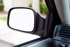 Espejo del lado del coche con el espacio vacío en blanco Imagen de archivo