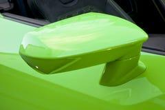Espejo lateral del coche imagen de archivo libre de regalías