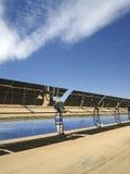 Espejos de la energía solar imagen de archivo