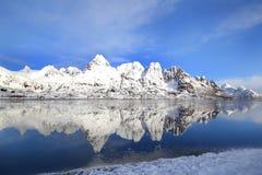 Espejos del fiordo congelado Imágenes de archivo libres de regalías