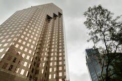 Espejos del rascacielos fotos de archivo