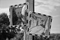Espejos del tráfico de la calzada Imagenes de archivo