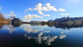 Espejos mágicos de Trollfjord Imagen de archivo libre de regalías