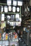 Espejos retrovisores en una tienda en Bangkok, Tailandia foto de archivo libre de regalías