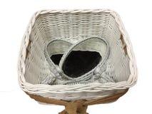 Espejos tejidos blancos de la cesta y del óvalo fotos de archivo