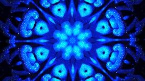 espelhe o prisma que cria o efeito do brinquedo, com as luzes cintilantes e jejue formas em mudança abstraia o fundo kaleidoscopi filme