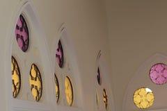 Espelho da mesquita a mais bonita de Masjid no céu e em nuvens islâmicos bonitos do projeto da arte de Tailândia Fotografia de Stock