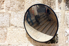 Espelho da segurança da segurança rodoviária da rua Foto de Stock Royalty Free