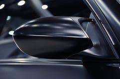 Espelho de asa de um carro de esportes Fotografia de Stock