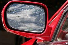 Espelho de carro molhado Fotos de Stock