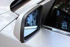 Espelho de rearview do carro imagem de stock royalty free