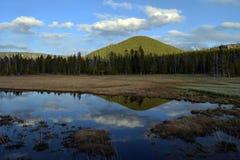 Espelho de uma montanha Fotos de Stock