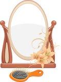 Espelho e escova de cabelo isolados no branco Imagem de Stock