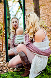 Espelho na madeira Fotos de Stock Royalty Free