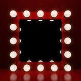 Espelho retro da composição no fundo vermelho Foto de Stock Royalty Free