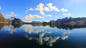 Espelhos mágicos de Trollfjord Imagem de Stock Royalty Free