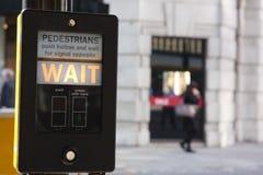 Espera de los peatones Imágenes de archivo libres de regalías