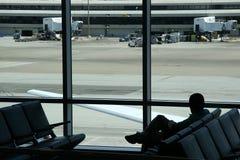 Espera do aeroporto fotografia de stock