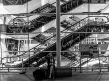 Espera no aeroporto - Porto fotos de stock royalty free