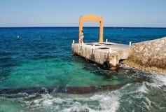 Espera no porto Imagens de Stock Royalty Free