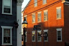 Esperança e John Street em Bristol Rhode Island foto de stock
