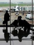 Esperando o avião Foto de Stock