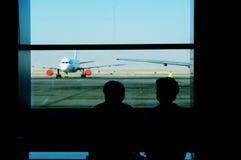 Esperando o voo fotografia de stock royalty free