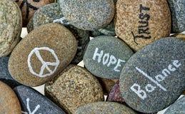 Esperanza y optimismo debajo de cada piedra Imagen de archivo libre de regalías