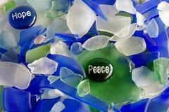 Esperanza y paz en las piedras de cristal Imágenes de archivo libres de regalías