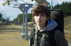 Esperar el tren Foto de archivo libre de regalías