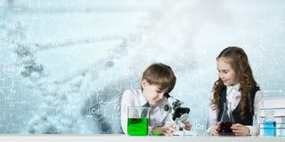 Esperimenti in laboratorio Fotografia Stock Libera da Diritti