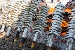 Espeto,沙丁鱼在海滩烤了在马拉加西班牙 免版税库存图片