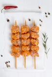 Espetos crus da carne do peru do ot da galinha de cima de Fotos de Stock