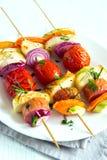 Espetos da salsicha e dos vegetais Foto de Stock Royalty Free