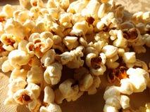 Espiga deliciosa da parte do petisco do cinema do entretenimento do milho da pipoca fotos de stock