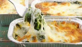 Espinafre cozido com queijo Imagens de Stock
