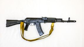 Espingarda de assalto do Kalashnikov AK-74 com estoque da dobradura, close-up imagem de stock royalty free