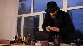 Espionaje industrial espíe en el teléfono que toma las imágenes de ficheros secretos metrajes