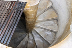Espiral abajo de la torre inclinada Pisa, Italia Imagen de archivo