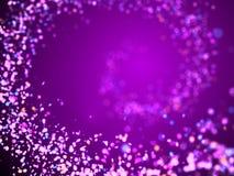Espiral macia do brilho nas máscaras de roxo, de cor-de-rosa, de azul, de vermelho e de alaranjado na frente de um fundo roxo Fotos de Stock