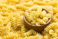 Espirales italianos de las pastas Fotos de archivo