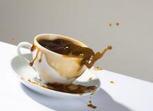 Espirra do café quente imagem de stock