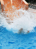 Espirra no waterslide Fotos de Stock Royalty Free