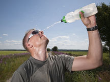 Espirrando a água. Fotos de Stock