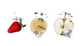 Espirrando frutas imagem de stock royalty free
