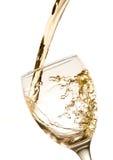 Espirrando o vinho branco Fotografia de Stock Royalty Free