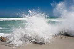 Espirrando ondas Fotografia de Stock Royalty Free